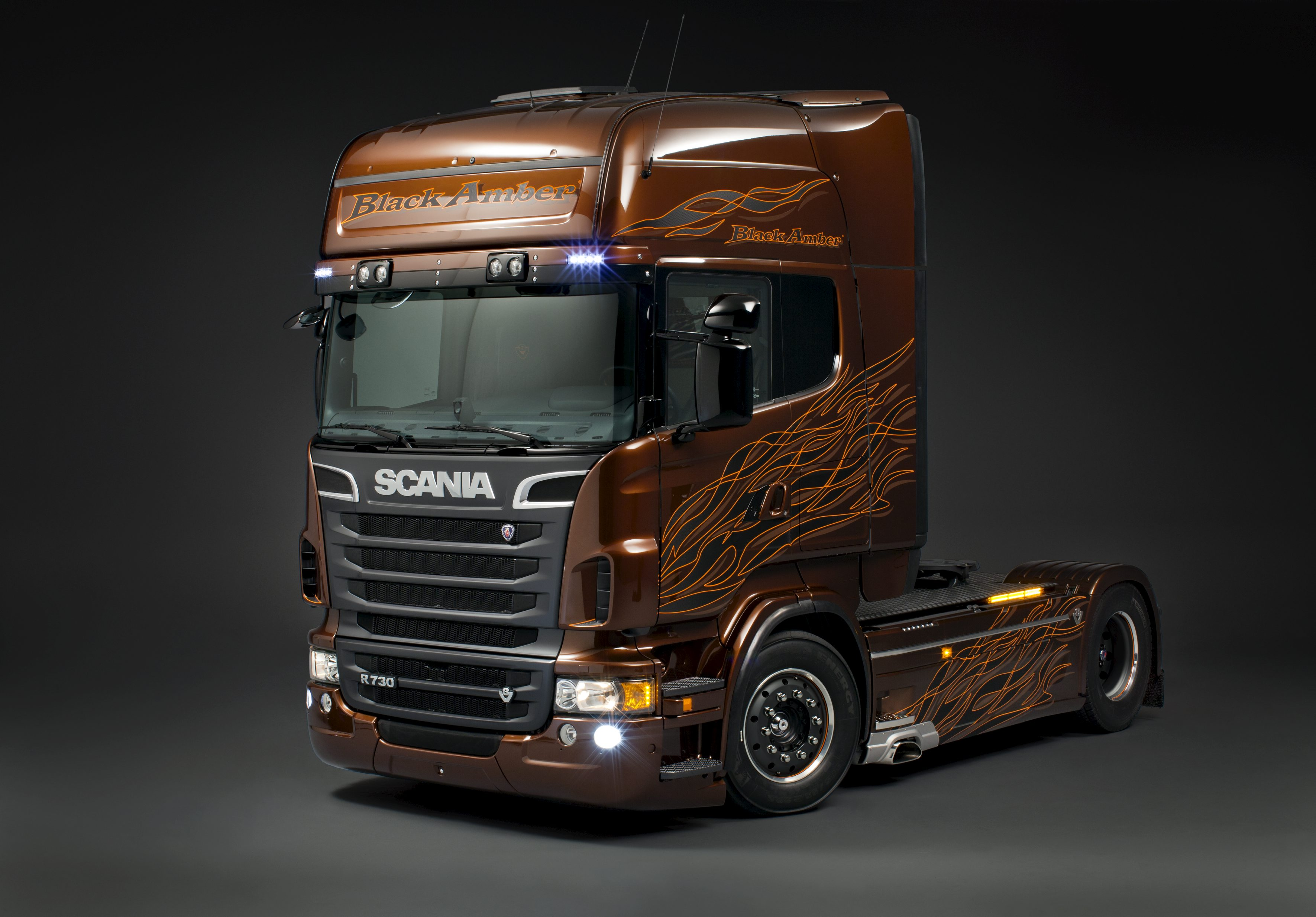 Scania R 730 4x2 Topline Scania Limited Edition   Black Amber By